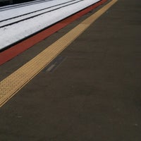 Photo taken at 白石駅 5-6番線ホーム by sapporobt on 12/18/2013