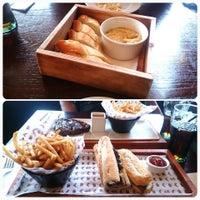 Photo prise au Café Rouge par Souraya A. le4/12/2014