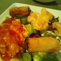 Photo taken at 香港路地裏Dining ボブん家 by M K. on 11/22/2012