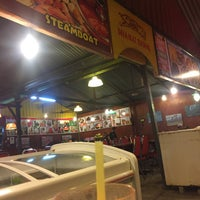 Photo taken at Restoran Norsiah Tom Yam Seafood by Irfan on 9/9/2015