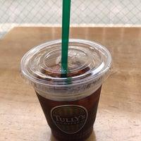 Foto tirada no(a) Tully's Coffee por manabun g. em 7/7/2018