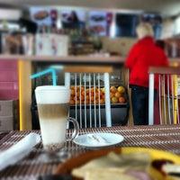 Снимок сделан в Fratelli Coffee пользователем Denys S. 10/19/2012