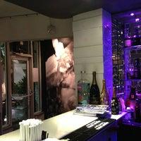 Foto scattata a Yuca Restaurant da Jeremy T. il 3/17/2013