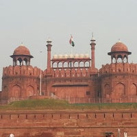 Photo taken at Red Fort (Lal Qila) by Jungshin P. on 10/29/2012