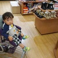 Photo taken at ベビーザらス 豊中店 by Kenji H. on 10/15/2012