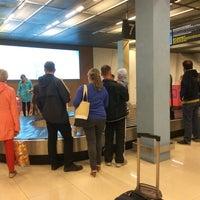 Photo taken at Получение багажа / Baggage Claim Area by Sergei G. on 8/12/2014