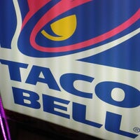 Photo taken at Taco Bell (Alameda Principal) by Ismael P. on 5/16/2013