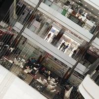 11/17/2016 tarihinde Noor A.ziyaretçi tarafından Mega Mall'de çekilen fotoğraf