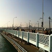 1/2/2013 tarihinde Eric K.ziyaretçi tarafından Galata Köprüsü'de çekilen fotoğraf