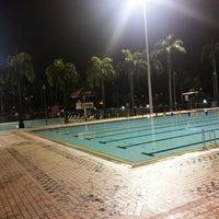 Foto tirada no(a) Clementi Swimming Complex por Hong Min C. em 7/2/2013