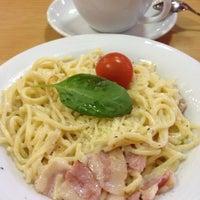 Снимок сделан в Pizza Hut пользователем Nastya_oz 10/26/2012