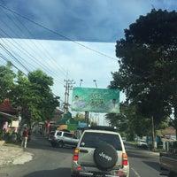 "Photo taken at Gerbang : ""Selamat Datang di Kota Wisata Batu"" by Rio R. on 7/13/2016"