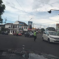 "Photo taken at Gerbang : ""Selamat Datang di Kota Wisata Batu"" by Rio R. on 7/11/2016"