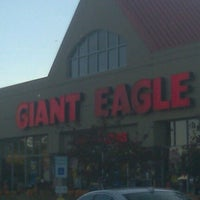 Photo taken at Giant Eagle Supermarket by Kat on 9/30/2012