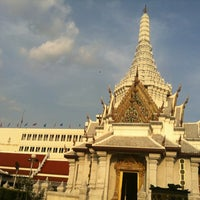 Photo taken at Bangkok City Pillar Shrine by Amieko A. on 10/19/2012