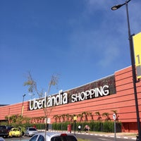Foto tirada no(a) Uberlândia Shopping por Fabian S. em 5/4/2013