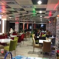 Foto tirada no(a) Koru Cafe & Restaurant por Birol K. em 11/28/2012