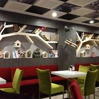 Foto tirada no(a) Koru Cafe & Restaurant por Birol K. em 10/21/2012