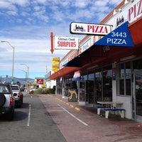 9/2/2013 tarihinde Charmayne C.ziyaretçi tarafından Stevens Creek Surplus'de çekilen fotoğraf