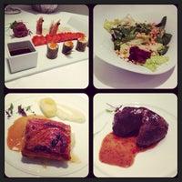 Photo prise au M29 Restaurante Hotel Miguel Angel par vexerina C. le11/22/2013