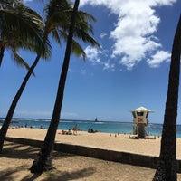 Photo taken at Kaimana Beach Park by §uz E. on 4/5/2017