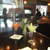Das Foto wurde bei Twigs Bistro & Martini Bar von Amanda M. am 10/22/2012 aufgenommen