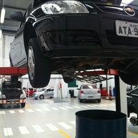 Photo taken at Chevrolet Metrosul by Felipe A. on 10/8/2012