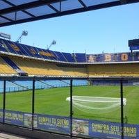 "Foto tirada no(a) Estadio Alberto J. Armando ""La Bombonera"" (Club Atlético Boca Juniors) por Karina I. em 12/2/2012"