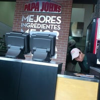 Photo taken at Papa John's Pizza CDMX - Leones by Zabdiel C. on 11/6/2012