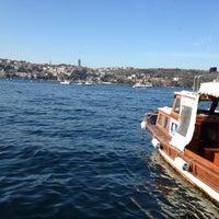 12/15/2012 tarihinde Deniz T.ziyaretçi tarafından Kanlıca Yakamoz Restaurant'de çekilen fotoğraf