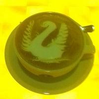 Photo taken at Tradiciones Latte Art Café by Juan T. on 5/1/2013