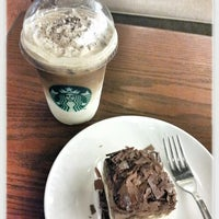 Photo taken at Starbucks by クリスティン c. on 3/5/2013