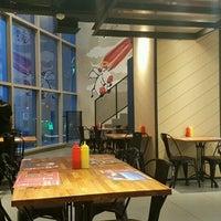 Foto diambil di Steak Hotel by Holycow! oleh Cluelinary pada 11/30/2016