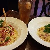 Photo taken at Pisa Kafe by クリスティン c. on 11/14/2016