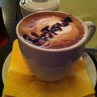 Снимок сделан в PASTA Cafe Bar пользователем Наташа К. 10/6/2012