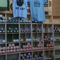 Photo taken at Fat Cat Spraystore by Δαμιανός Π. on 7/19/2014