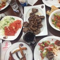 5/5/2013 tarihinde Turgay K.ziyaretçi tarafından Taşhan Et & Restaurant'de çekilen fotoğraf