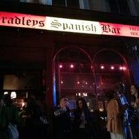 Das Foto wurde bei Bradley's Spanish Bar von Rupert W. am 8/3/2013 aufgenommen