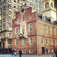Foto tirada no(a) Boston Massacre Monument por Sarah E. em 12/14/2012