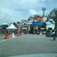 Photo taken at Melaka Wonderland by Fazrul A. on 11/11/2012