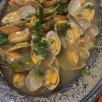 Photo taken at Restoran San Ching San Hokkien Mee 新青山福建麵茶餐室 by Maggie T. on 3/19/2018