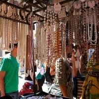 Photo taken at Feira de Artes e Artesanato de Belo Horizonte (Feira Hippie) by Fabricio M. on 10/28/2012