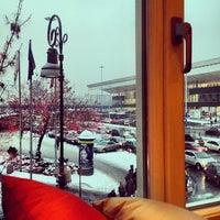 Снимок сделан в Starbucks пользователем Tomasz B. 12/11/2012