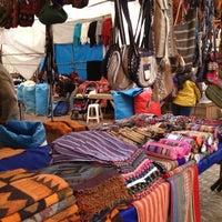 Foto tirada no(a) Pisac Market por Angela B. em 5/4/2013