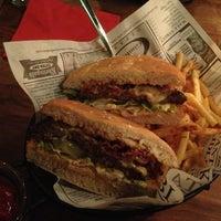 Das Foto wurde bei my stolz - the burger boss von Ryk T. am 1/9/2013 aufgenommen