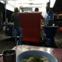 Photo taken at ก๋วยเตี๋ยวแชมป์ @ตรงข้าม เพื่อนครัว หนองหอย by chettanaa on 12/8/2015