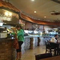 รูปภาพถ่ายที่ Aladdin's Mediterranean Cuisine โดย Greg N. เมื่อ 2/1/2013