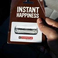 Foto diambil di Chipotle Mexican Grill oleh J.C. R. pada 2/15/2014