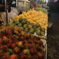 Photo taken at Kathu Fresh Market by R.H on 8/22/2017