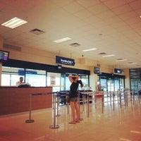 Das Foto wurde bei Tanah Merah Ferry Terminal von Jeff R. am 5/4/2013 aufgenommen